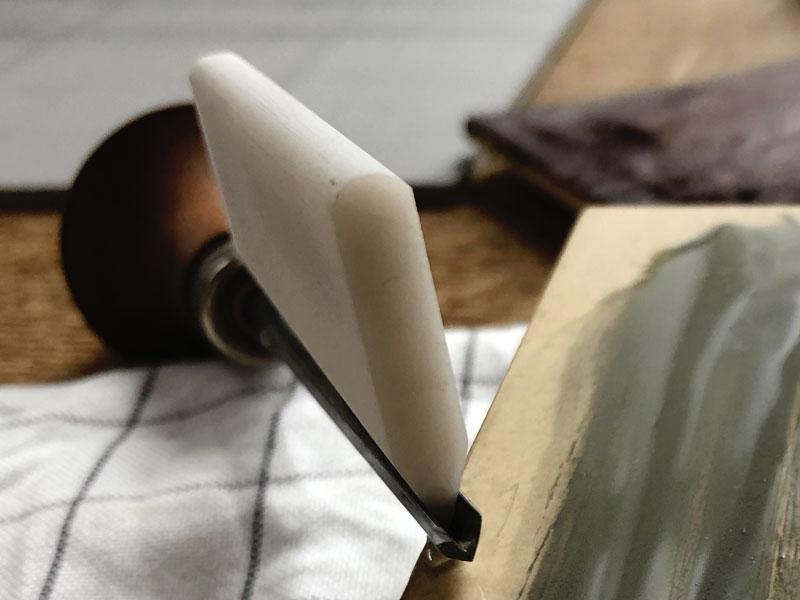 linocut-slipstone-sharpening-tool